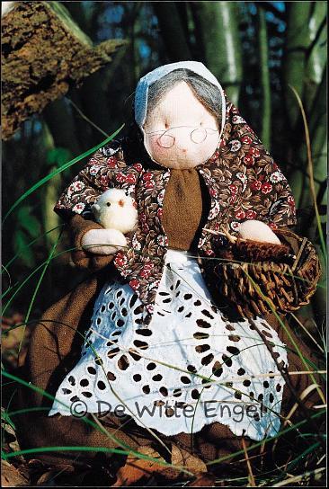 Набор для изготовления вальфдорской игрушки Бабушка, 26 смA17600В наборе для изготовления вальфдорской игрушки Бабаушка есть все необходимое для создания оригинальной куклы своими руками. В состав набора входят только натуральные сотавляющие (шерсть, хлопок, шелк). Вальфдорская кукла занимает среди игрушек совершенно особое место, потому что она уникальна. Кукла — это друг, с которым можно поделиться самыми сокровенными мыслями, горестями и радостями. Особенно если она сшита своими руками! Cостав набора может незначительно отличатся от данного изображения, прилагается пошаговая инструкция с иллюстрациями, с выкройками на немецком языке.
