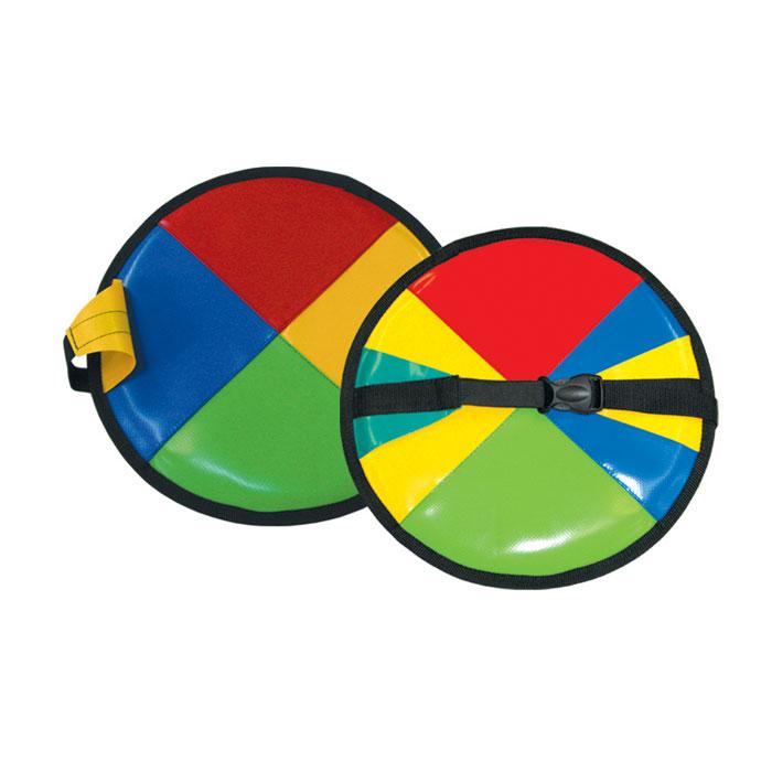 Ледянка Блин, 33 смАрт2121123006101Санки-ледянки. Их можно носить на специальном ремне на поясе. Характеристики: Материал: ПВХ, пластик, текстиль. Наполнитель: полифом (ППЭ). Диаметр: 33 см. Размер упаковки: 34 см х 34 см х 1 см. Артикул: Арт2121123006101.