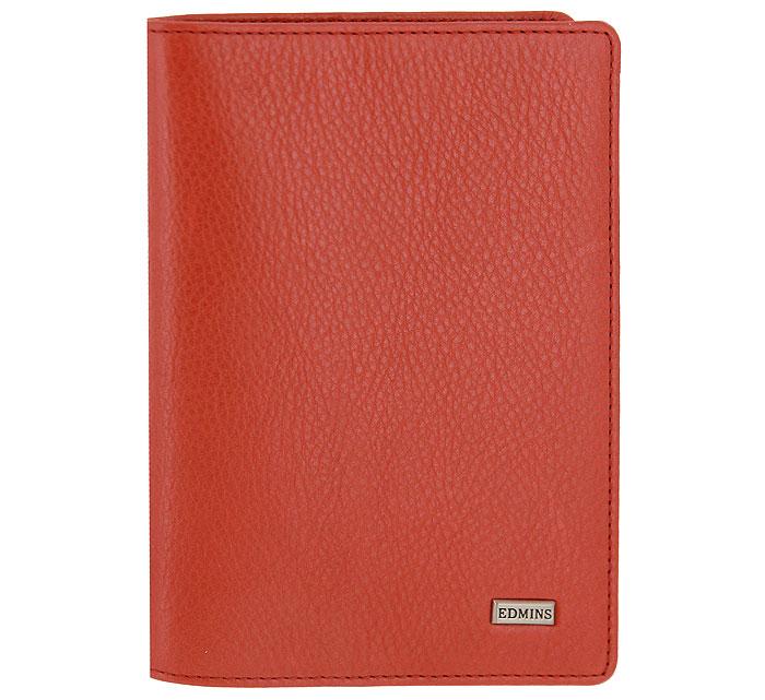 Обложка для паспорта Edmins, цвет: красный. 302 ML/1N302 ML/1N ED redОбложка для паспорта Edmins выполнена из натуральной матовой кожи красного цвета с естественной лицевой поверхностью. Внутри содержит отделение для паспорта и вертикальный карман из кожи. Такая обложка не только поможет сохранить внешний вид ваших документов и защитить их от повреждений, но и станет стильным аксессуаром, идеально подходящим вашему образу. Обложка для паспорта станет замечательным подарком человеку, ценящему качественные и практичные вещи. Обложка упакована в фирменную коробку. Характеристики: Материал: натуральная кожа, текстиль. Цвет: красный. Размер обложки (в закрытом виде): 10 см х 0,5 см х 14 см. Размер упаковки: 11 см x 3 см x 16,5 см. Артикул: 302 ML/1N.