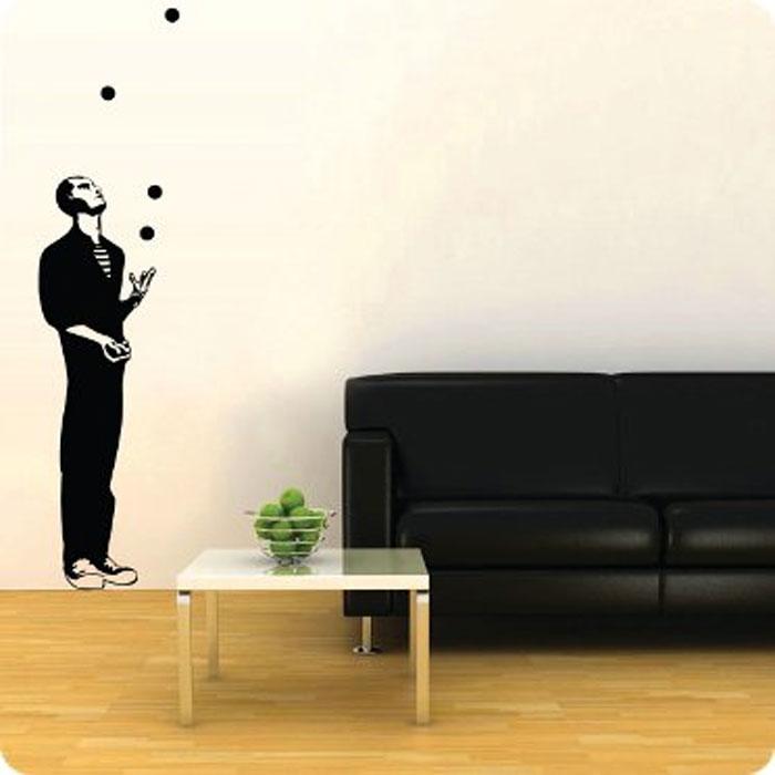Стикер Paristic Жонглер, цвет: черный, 169 х 41 смПР01144Добавьте оригинальность вашему интерьеру с помощью необычного стикера Жонглер. Изображение на стикере выполнено в форме фигуры жонглера черного цвета. Великолепное исполнение добавит изысканности в дизайн вашего дома. Необыкновенный всплеск эмоций в дизайнерском решении создаст утонченную и изысканную атмосферу не только спальни, гостиной или детской комнаты, но и даже офиса. Стикер выполнен из матового винила - тонкого эластичного материала, который хорошо прилегает к любым гладким и чистым поверхностям, легко моется и держится до семи лет, не оставляя следов. Сегодня виниловые наклейки пользуются большой популярностью среди декораторов по всему миру, а на российском рынке товаров для декорирования интерьеров - являются новинкой.