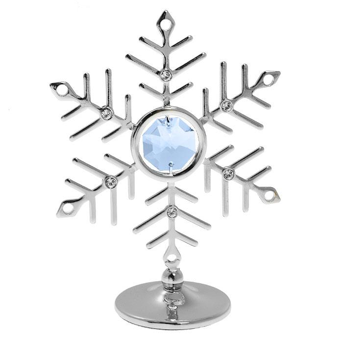 Миниатюра Снежинка, цвет: серебристый, 8 смU0093-001-CBLДекоративное изделие в виде снежинки, украшенной кристаллами Swarovski, изготовлено из высококачественной стали. Оригинальная миниатюра будет отличным подарком к новогодним праздникам для ваших друзей и коллег. Более 30 лет компания Crystocraft создает качественные, красивые и изящные сувениры, декорированные различными кристаллами Swarovski. Характеристики: Материал: металл, австрийские кристаллы. Высота миниатюры: 8 см. Цвет: серебристый. Размер упаковки: 6,5 см х 9 см х 4,5 см. Артикул: U0093-001-CBL. Более чем 30 лет назад компания Crystocraft выросла из ведущего производителя в перспективную торговую марку, которая задает тенденцию благодаря безупречному чувству красоты и стиля. Компания создает изящные, качественные, яркие сувениры, декорированные кристаллами Swarovski различных размеров и оттенков, сочетающие в себе превосходное мастерство обработки металлов и самое высокое качество кристаллов. Каждое изделие...