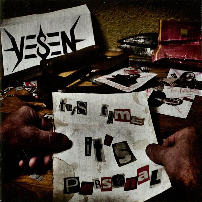 К изданию прилагается 8-страничный буклет с текстами песен на английском языке.