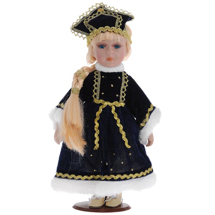 Декоративная керамическая кукла, на подставке, 31 см. Ф21-2167Ф21-2167Великолепная кукла, выполненная из керамики, займет достойное место в вашей коллекции. Туловище куклы мягконабивное. Лицо с трогательным взглядом, обрамленным пышными ресницами, и светлые волосы, заплетенные в косу, словно шелк, максимально приближены к живому прототипу - юной леди с румянцем на щеках. Кукла наряжена в темно-синее бархатистое платье, расшитое золотистой тесьмой и бусинами. Ворот, рукава и подол отделаны белым искусственным мехом. Кукла одета в белые панталоны. На ногах - гольфы и башмачки на шнурках из искусственной кожи. На голове - кокошник, расшитый золотистой тесьмой. Кукла установлена на подставку, благодаря которой вы можете поместить ее в любом понравившемся вам месте.