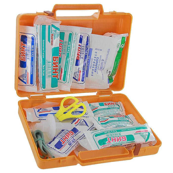 Аптечка автомобильная Airline AM-02, в пластиковом кейсеAM-02Автомобильная аптечка Airline AM-02 в легком ударопрочном пластиковом футляре с удобной ручкой и надежным замком. 1.Жгут кровоостанавливающий 1 шт. 2.Бинт марлевый медицинский нестерильный 5м х 5см 2 шт. 3.Бинт марлевый медицинский нестерильный 5м х 10 см 2 шт. 4.Бинт марлевый медицинский нестерильный 7м х 14 см 1 шт. 5.Бинт марлевый медицинский стерильный 5м х 7см 2 шт. 6.Бинт марлевый медицинский стерильный 5м х 10см 2 шт. 7.Бинт марлевый медицинский стерильный 7м х 14см 1 шт. 8.Пакет перевязочный стерильный 1 шт. 9.Салфетки марлевые медицинские стерильные не менее 16 х 14 см № 10 1уп. 10.Лейкопластырь бактерицидный, не менее 4 см х 10 см 2 шт. 11.Лейкопластырь бактерицидный, не менее 1,9 см х 7,2 см 10 шт. 12.Лейкопластырь рулонный, не менее 1см х 250 см 1 шт. 13.Устройство для проведения искусственного дыхания Рот-Устройство-Рот 1 шт. 14.Ножницы 1 шт. 15.Перчатки нестерильные размер не менее М...