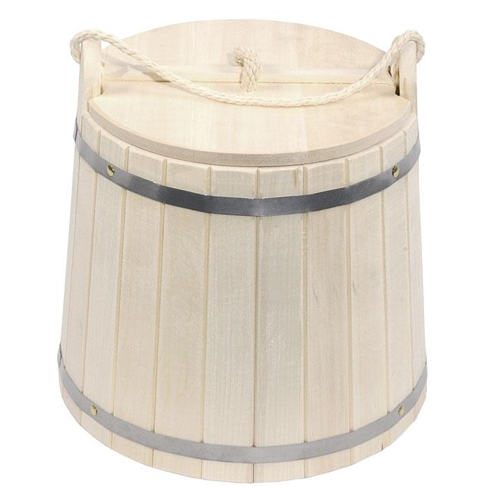 Ведро Банные штучки, с крышкой, 18 л03370Деревянное ведро Банные штучки является одной из тех приятных мелочей, без которых не обойтись при принятии банных процедур. Для удобства использования ведро оснащено деревянной крышкой и ручкой из веревки. Ведро прекрасно подойдет для обливания, замачивания веника или других банных процедур. Интересная штука - баня. Место, где одинаково хорошо и в компании, и в одиночестве. Перекресток, казалось бы, разных направлений - общение и здоровье. Приятное и полезное. И всегда в позитиве.