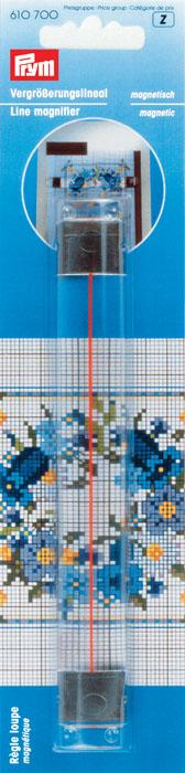 Линейка увеличительная Prym, магнитная, 16,5 см610700Магнитная увеличительная линейка Prym, выполненная из прозрачного пластика, предназначена для увеличения рисунка вышивки и маркировки рабочих шагов.