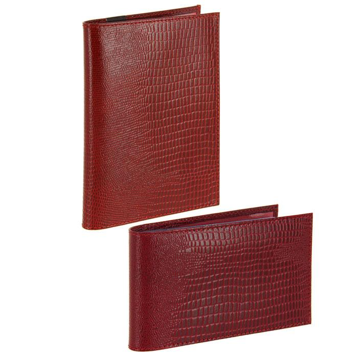 Подарочный набор Befler: бумажник водителя, визитница, цвет: красный. BV.1.-3.red/V.30.-3.redBV.1.-3.red/V.30.-3.redПодарочный набор Befler состоит из бумажника водителя и визитницы. Предметы набора выполнены из натуральной лаковой кожи с ярко выраженным рельефным рисунком под рептилию. Бумажник водителя Befler имеет внутри два вертикальных прозрачных кармана и внутренний блок для водительских документов из прозрачного пластика (6 карманов). Компактная горизонтальная визитница Befler - стильная вещь для хранения визиток. Визитница предназначена для хранения 20 визиток Подарочный набор Befler станет великолепным подарком для человека, ценящего качественные и практичные вещи.