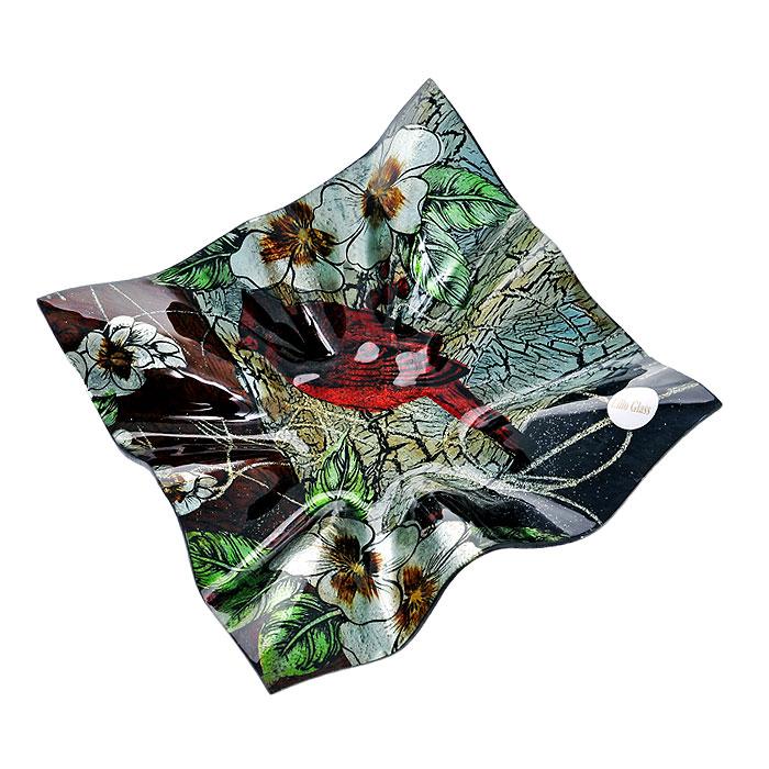 Блюдо Lillo Glass, цвет: коричневый, зеленый, 26 см х 25 см х 6 см1280-20Блюдо Lillo Glass, изготовленное из стекла квадратной формы, декорировано изображением птицы, цветов и узорами. Такое блюдо сочетает в себе изысканный дизайн с максимальной функциональностью. Красочность оформления придется по вкусу тем, кто предпочитает утонченность и изящность. Блюдо Lillo Glass украсит сервировку вашего стола и подчеркнет прекрасный вкус хозяина, а также станет отличным подарком.