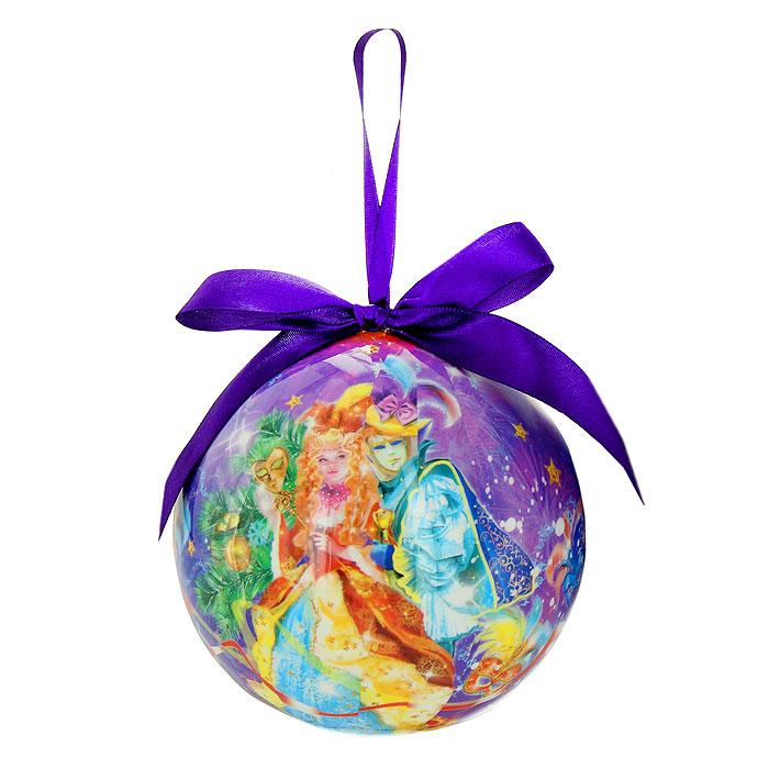 Новогоднее подвесное украшение Маскарад. 020303020303Новогоднее подвесное украшение Маскарад изготовлено из ПВХ и выполнено в виде елочного шара, оформленного изображением масок, серпантина, фейерверков и людей в маскарадных костюмах. Благодаря атласной ленточке, украшение можно повесить в любом месте. Новогоднее украшение отлично подойдет для декорации вашего дома и новогодней ели. Оригинальный дизайн и красочное исполнение создадут праздничное настроение. Подвесное украшение упаковано в стильную подарочную коробку.