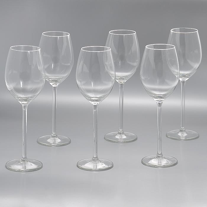 Набор бокалов Allure, 320 мл, 6 штГл 450033Набор Allure, изготовленный из высококачественного стекла, состоит из шести бокалов на высоких ножках. Бокалы предназначены для подачи напитков. Они сочетают в себе элегантный дизайн и функциональность. Благодаря такому набору пить напитки будет еще вкуснее. Набор бокалов Allure идеально подойдет для сервировки стола и станет отличным подарком к любому празднику. Характеристики: Материал: стекло. Диаметр бокала по верхнему краю: 5,5 см. Диаметр основания бокала: 7,5 см. Высота бокала: 23 см. Объем бокала: 320 мл. Комплектация: 6 шт. Размер упаковки: 23,5 см х 16 см х 23,5 см. Артикул: Гл 450033.