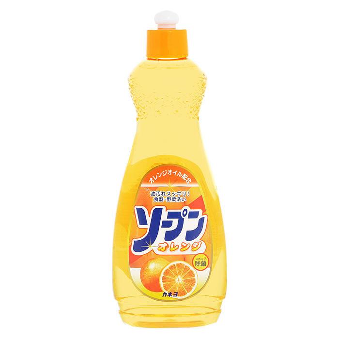 Жидкость для мытья посуды Kaneyo, сладкий апельсин, 600 мл201048Жидкость Kaneyo с приятным апельсиновым ароматом предназначена для мытья посуды, кухонной утвари и дезинфекции губок для мытья посуды. Обладает антибактериальным действием и удаляет любые неприятные запахи, например, с разделочных досок. Великолепно справляется с жиром даже в холодной воде. Благодаря содержанию моющих компонентов растительного происхождения, средство очень мягко воздействует на кожу рук, не раздражая ее. Подходит для мытья овощей и фруктов. Характеристики: Объем: 600 мл. Артикул: 201048. Товар сертифицирован.