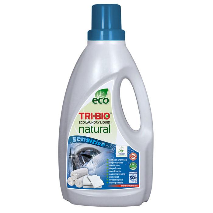 Натуральная эко-жидкость Tri-Bio для стирки, 1,42 л0169Натуральная эко-жидкость Tri-Bio основана на био-энзимах и натуральных растительных и минеральных компонентах. Не содержит фосфаты и формальдегиды, но также эффективна как широко известные жесткие химические средства. Идеально подходит для детского белья и людей с чувствительной кожей. Не содержит ароматов и красителей, рекомендуются для людей, склонных к аллергическим реакциям и страдающих астмой. Без фосфатов, хлора, растворителей, отбеливающих веществ, абразивных веществ, отдушек, красителей и токсичных веществ, нейтральный pH, гипоаллергенно. Для здоровья: Безопасная альтернатива химическим аналогам. Присвоены сертификаты EU Ecolabel и ECO GREEN. Для окружающей среды: Низкий уровень ЛОС, биоразлагаемо, минимальное влияние на водные организмы. Особо рекомендуется использовать в домах с автономной канализацией. Характеристики: Объем: 1,42 л. Производитель: США. Изготовитель: Китай. Артикул: 0169.