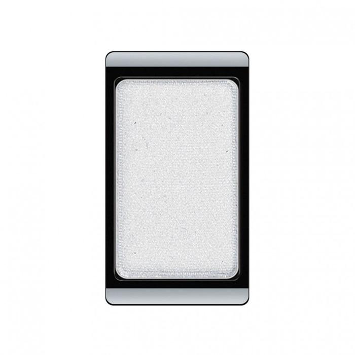 Artdeco Тени для век, перламутровые, 1 цвет, тон №71, 0,8 г30.71Перламутровые тени для век Artdeco придадут вашему взгляду выразительную глубину. Их отличает высокая стойкость и невероятно легкое нанесение. Это профессиональный продукт для несравненного результата! Упаковка на магнитах позволяет комбинировать тени по вашему выбору в элегантные коробочки. Тени Artdeco дарят возможность почувствовать себя своим собственным художником по макияжу! Характеристики: Вес: 0,8 г. Тон: №71. Производитель: Германия. Артикул: 30.71. Товар сертифицирован.