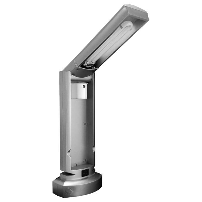 Светильник настольный Ультра ЛАЙТ, цвет: серебро. KD007KD007 сереброКомпактный светильник Ультра ЛАЙТ серебряного цвета предназначен для местного освещения в офисе или дома. Конструкция настольного светильника, благодаря подвижному плафону, позволяет установить его в удобное для работы положение. В светильнике используется люминесцентная лампа, световой поток которой превышает световой поток 60 Вт лампы накаливания, а по продолжительности работы превосходит ее в 8-10 раз(входит в комплект). Плафон светильника закреплен на стойке с подставкой. Светильник изготовлен из высокотехнологичных материалов и соответствует общеевропейским и национальным стандартам.