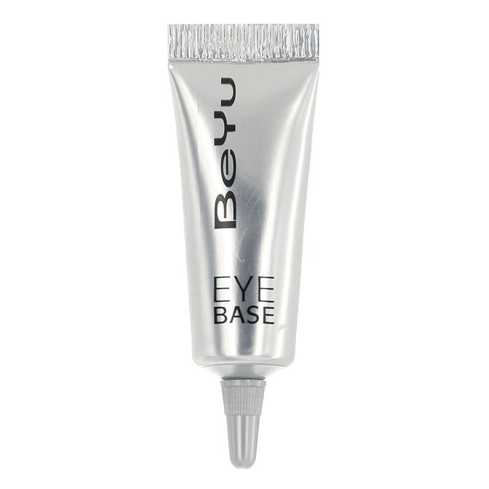 BeYu Крем-база для кожи вокруг глаз Eye Base, 7 мл3549Крем-база для кожи вокруг глаз BeYu Eye Base готовит веко к нанесению теней и способствует устойчивости макияжа глаз. Витамин Е и экстракт ромашки смягчает и защищает чувствительную зону вокруг глаз, кремовая текстура и нейтральный цвет скрывают несовершенства кожи, создавая идеальное веко для нанесения теней. Используйте базу также для усиления стойкости макияжа с использованием карандаша и/или подводки для глаз. Применение: небольшое количество крем-базы нанесите кончиками пальцев на веки и аккуратно распределите. Дайте подсохнуть и затем нанесите тени для глаз компактные или рассыпчатые.