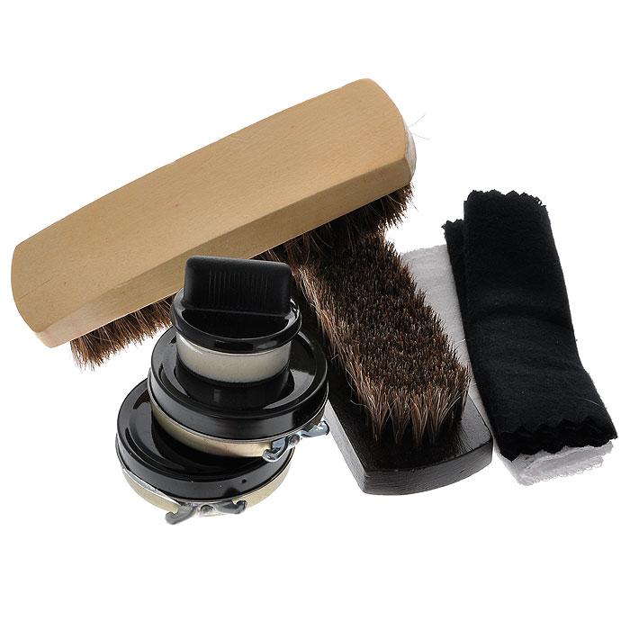 Дорожный набор для ухода за обувью, в футляре, цвет: темно-красный. 2512825128Дорожный набор для ухода за обувью включает в себя: две щетки для обуви, один прозрачный крем, один черный крем, два лоскута ткани и губку для кремов. Все предметы набора упакованы в компактный прямоугольный футляр темно-красного цвета изготовленного из полиуретана, закрывающийся на металлическую кнопку. Характеристики: Материал: полиуретан, пластик, металл, текстиль. Размер футляра: 10 см х 10,5 см х 20,5 см. Размер лоскутков: 28 см х 10,5 см; 39,5 см х 11 см. Размер банки с кремом: 5,5 см х 1,5 см х 5,5 см. Диаметр губки для крема: 3,5 см. Размер щетки: 13,5 см х 4 см х 3,5 см. Размер упаковки: 10,5 см х 11 см х 21 см. Артикул: 25128.