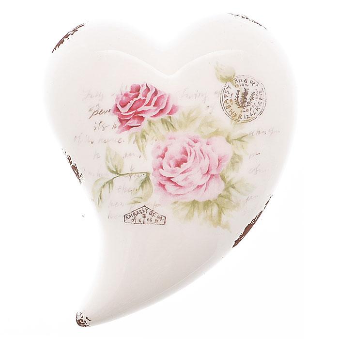 Декоративная фигурка Сердце. 2726927269Декоративная фигурка, выполненная из керамики в форме сердца, станет отличным дополнением к интерьеру. Фигурка оформлена изображением роз, надписями и декоративными потертостями. Вы можете поставить фигурку в любом месте, где она будет удачно смотреться и радовать глаз. Кроме того, сердце станет чудесным сувениром для ваших друзей и близких.
