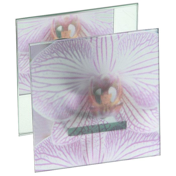 Подсвечник декоративный Орхидея, на одну свечуФ21-1516Декоративный подсвечник на одну свечу Орхидея, выполненный из стекла и декорированный изображением орхидеи, украсит интерьер вашего дома или офиса. Интересный дизайн и красочное исполнение создадут в вашем доме атмосферу тепла, веселья и радости. Характеристики: Материал: стекло. Размер подсвечника: 11,7 см х 11,7 см х 6 см. Диаметр свечи: 4,5 см. Размер упаковки: 12,5 см х 6,5 см х 12,5 см. Артикул: Ф21-1516.