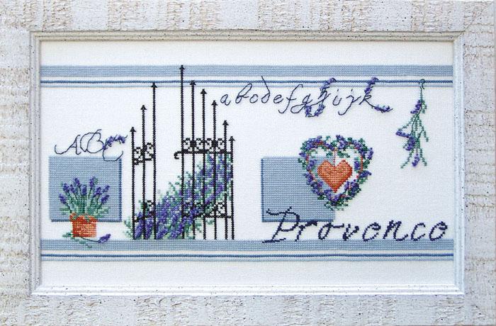 Набор для вышивания Acufactum Прованс, 32,5 см х 15 см2137В наборе для вышивания Acufactum Прованс есть все необходимое для создания собственного чуда: 12-ти ниточный лен (основа для вышивки), однониточное матовое мулине, цветная символьная схема и игла. Красивый и стильный рисунок-вышивка, оформленный изображением цветочных композиций в сине-голубой гамме выполненный в канве, выглядит оригинально и всегда модно. Благодаря такому набору вы получаете возможность вышить прекрасную картину. Наборы для вышивания Acufactum не производятся в промышленных масштабах, что говорит об их эксклюзивности. Оригинальные сюжеты Ute Menze с проработанной схемой доставят вам массу удовольствия во время творчества. А готовые работы не останутся не замеченными вашими друзьями! Acufactum - это синоним восхитительного стиля!
