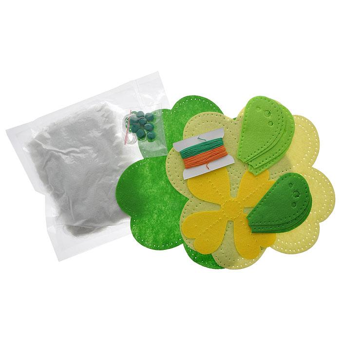 Набор для шитья из фетра Зеленый цветок, 22 см х 22 см931-33В наборе для шитья из фетра Зеленый цветок есть все необходимое для создания собственного чуда: выкройки из полиакрила с перфорацией для шитья, пластиковая игла, нитки, инструкция. Работа, сделанная своими руками долгие годы будет радовать вас и ваших близких. Работа, которая отвлечет вас от повседневных забот, и превратится в увлекательное занятие!