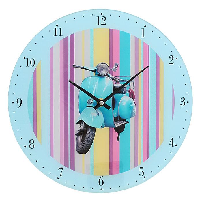 Часы настенные Голубой мотороллер, кварцевые27794Настенные кварцевые часы Голубой мотороллер выполнены из высококачественного стекла и оформлены изображением голубого мотороллера на разноцветном полосатом фоне. Часы имеют две стрелки - часовую, минутную. Своим эксклюзивным дизайном часы подчеркнут оригинальность интерьера вашего дома и помогут создать атмосферу домашнего уюта. Такие часы послужат отличным подарком для каждого.