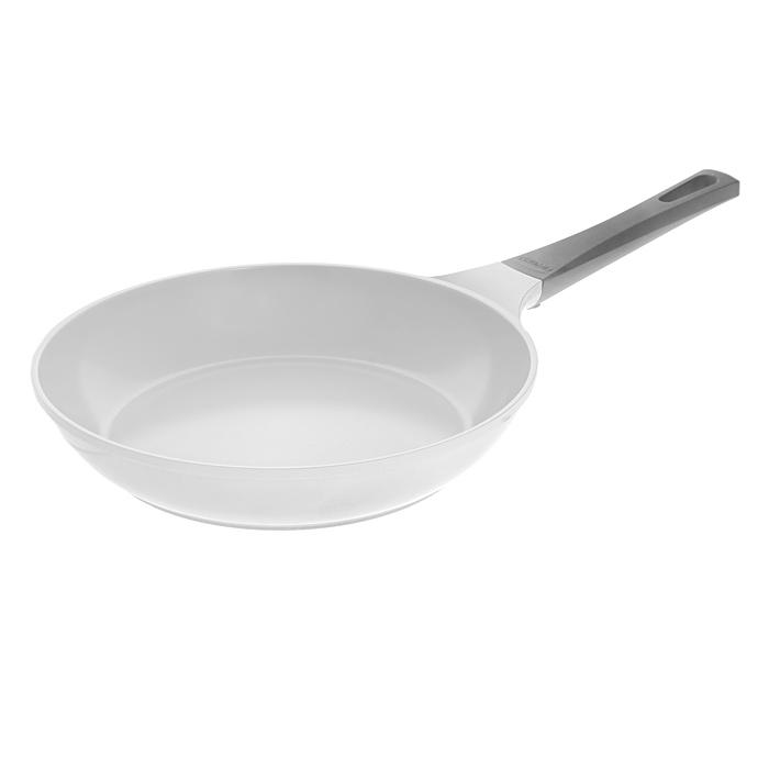 Сковорода Frybest Sand, 28cм, цвет:серый/светлое внутр. покрытие CA-F28SCA-F28SСковорода Frybest, изготовлена по новейшей технологии из литого алюминия с керамическим антипригарным покрытием Ecolon, в производстве которого используются природные материалы безопасные для здоровья. Особенности сковороды Frybest: Технология литья алюминия под высоким давлением обеспечивает блестящие теплопроводные качества; Оригинальный дизайн силиконовой ручки с эффектом soft-touch; Оптимальная толщина изделий: дно - 0,5 см; За счет керамического покрытия достигается супербыстрый нагрев и максимальная температура нагрева, что обеспечивает возможность профессионального стиля приготовления пищи. Характеристики: Материал: алюминий, керамика, силикон. Цвет: серый. Диаметр: 28 см. Высота стенки: 5,5 см. Толщина дна: 0,5 см. Длина ручки: 20 см. Диаметр основания: 20 см. Производитель: Южная Корея. Артикул: CA-F28S.