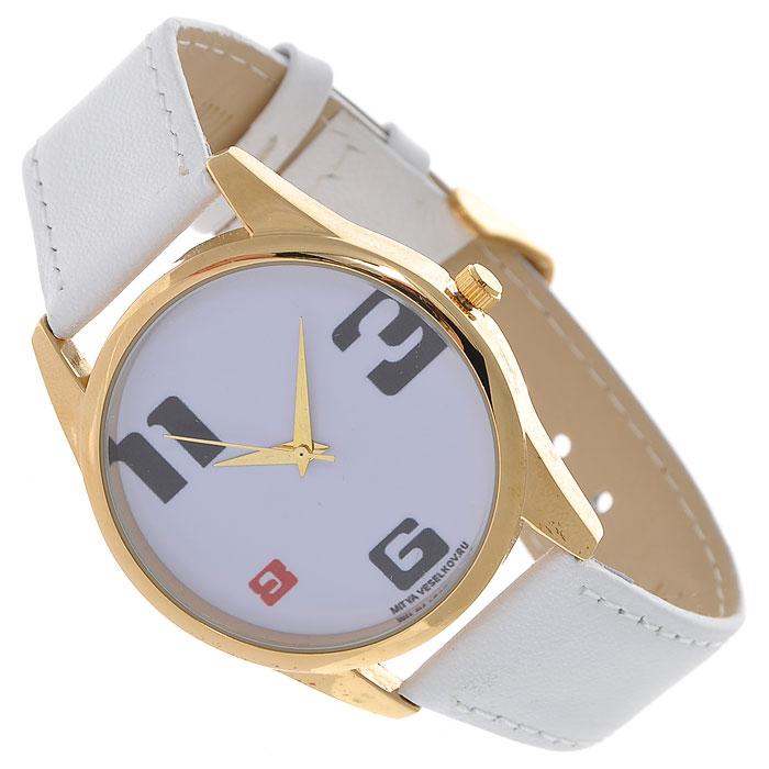 Часы Mitya Veselkov 3-6-8-11. Shine-17Shine-17Наручные часы Mitya Veselkov 3-6-8-11 созданы для современных людей, которые стремятся выделиться из толпы и подчеркнуть свою индивидуальность. Часы оснащены японским кварцевым механизмом. Ремешок выполнен из натуральной кожи белого цвета, корпус изготовлен из стали золотистого цвета. Циферблат оформлен четырьмя крупными арабскими цифрами 3-6-8-11. Часы размещаются на специальной подушечке и упакованы в фирменный стакан Mitya Veselkov.