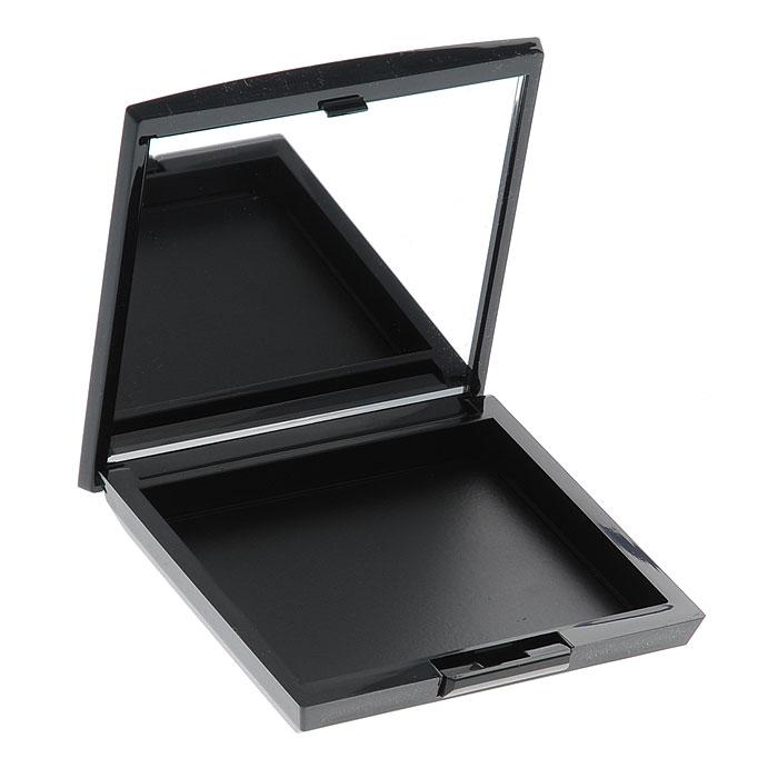Artdeco Футляр для теней и румян Beauty Box Quadrat. 51305130Магнитный футляр Artdeco Beauty Box Quadrat обладает оригинальной системой косметической мозаики. Создайте свою собственную палитру для макияжа! Магнитная основа футляра позволяет очень легко без специального инструмента менять и комбинировать по-новому блоки теней и румян. В этом футляре вы можете хранить 6 оттенков теней или комбинировать 3 оттенка теней и 1 оттенок румян. Футляр имеет большое удобное зеркало, есть место для аппликатора. Характеристики: Вес: 50 г. Размер футляра: 8,2 см х 8,2 см х 1,5 см. Размер упаковки: 8,5 см х 8,5 см х 1,5 см. Артикул: 5130. Производитель: Германия. Товар сертифицирован.