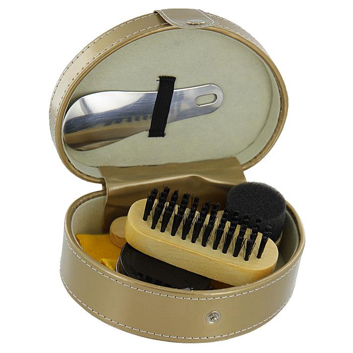 Дорожный набор для ухода за обувью, в футляре, цвет: бежевый. 2512625126Дорожный набор для ухода за обувью предназначен для защиты вашей обуви от уличной грязи. Набор хранится в элегантном футляре изготовленного из полиуретана бежевого цвета в форме сердца. В набор входит 5 предметов: щетка для обуви, крем черный, лоскут ткани, стальная ложка, губка для обуви. Такой набор будет незаменим в дороге, путешествии или дома.