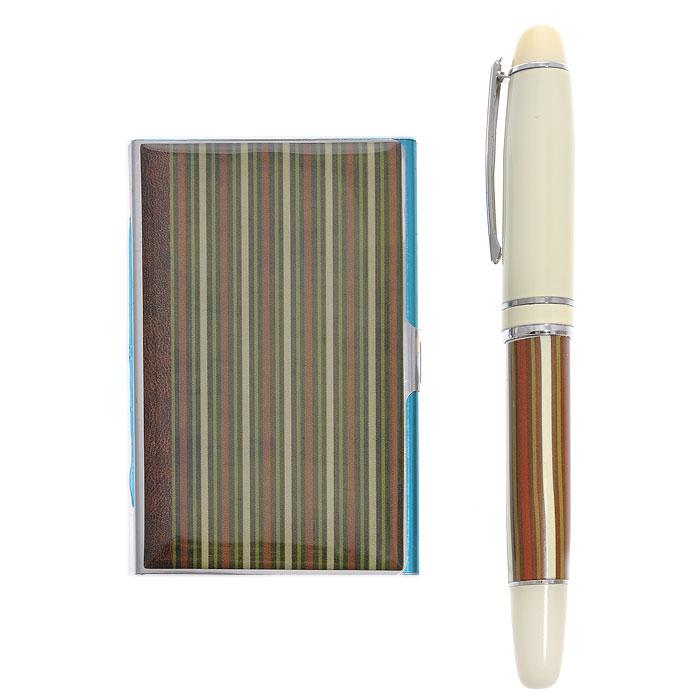 Подарочный набор Полоски: визитница, шариковая ручка. 2845828458Подарочный набор Полоски, состоящий из карманной визитницы и шариковой ручки, порадует каждого. Визитница прямоугольной формы выполнена из нержавеющей стали и оформлена полосатым принтом. Шариковая ручка в металлическом корпусе также оформлена принтом в полоску и оснащена стержнем с гелевыми чернилами черного цвета. Оригинальные и функциональные аксессуары подчеркнут изысканный вкус своего владельца. Предметы набора хранятся в подарочной картонной коробке.