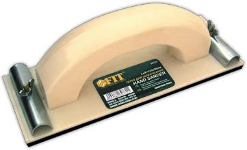 Терка для наждачной бумаги FIT, 230 х 80 мм39731Терка для наждачной бумаги FIT предназначена для обработки плоских поверхностей. Используется совместно с наждачной бумагой, которая фиксируется металлическим прижимом. Корпус изготовлен из высококачественного пластика, который обеспечивает прочность и надежность применения. Пластиковая рукоять удобна в применении и исключает возможность скольжения в ладони.