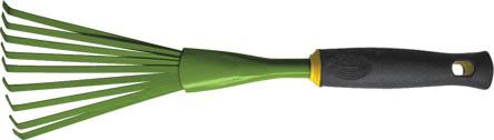 Грабли веерные FIT мини, 420 мм. 7702377023Грабли веерные FIT мини предназначены специально для работы на садовых участках. Специальная веерная форма зубьев и малые габариты позволяет удобно и быстро справляться работой: убирать мусор и сухую листву. Мягкая прорезиненная ручка создаст комфорт в работе с инструментом.
