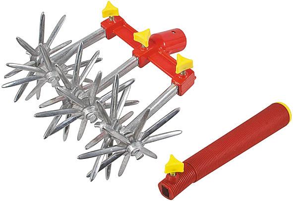 Культиватор ручной FIT, вращающийся, 3 диска77249Культиватор ручной FIT предназначен для рыхления почвы. Разборный принцип конструкции позволяет использовать культиватор с 1, 2 или 3 насадками со звездочками. В рукоятке может быть закреплена 1 насадка. Для работы с основанием используется деревянный черенок.