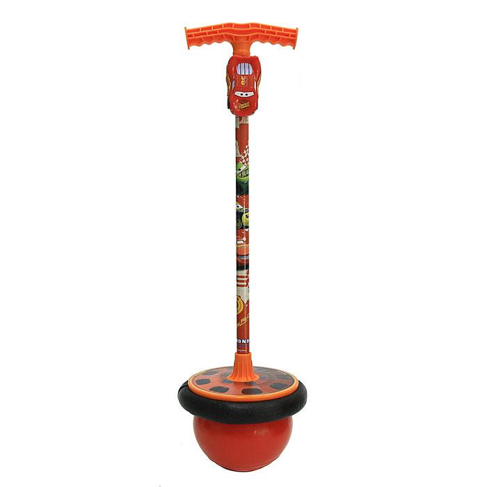 Мяч-попрыгун Cars с подставкой для ног01/518Мяч-попрыгун Cars, оснащенный подставкой для ног и удобной ручкой, станет любимой игрушкой Вашего ребенка. Ребенок встает ногами на подставку и обеими руками крепко обхватывает ручку, теперь можно прыгать, пока не надоест! К ручке крепится пластиковая машинка Молния Маккуин. Этот активный и веселый снаряд тренирует мышцы рук, ног, а также развивает координацию движений.