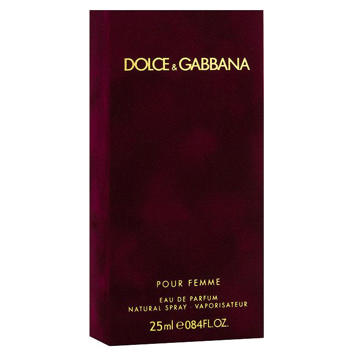 Dolce & Gabbana Парфюмерная вода Pour Femme, 25 мл0737052597980Dolce & Gabbana Pour Femme - прошло 20 лет с тех пор, как знаменитый дизайнерский дуэт D&G представил миру свой первый женский аромат Dolce & Gabbana. Аромат сразу же стал бестселлером на многие годы. В сентябре 2012 года знаменитые творцы решили выпустить более зрелую версии дебютного аромата. Классификация аромата : цветочный. Пирамида аромата : Верхние ноты: малина, мандарин, нероли. Ноты сердца: жасмин, цветы апельсина. Ноты шлейфа: ваниль, зефир, гелиотроп, сандал. Ключевые слова Манящий, сладкий, страстный, чувственный, яркий!