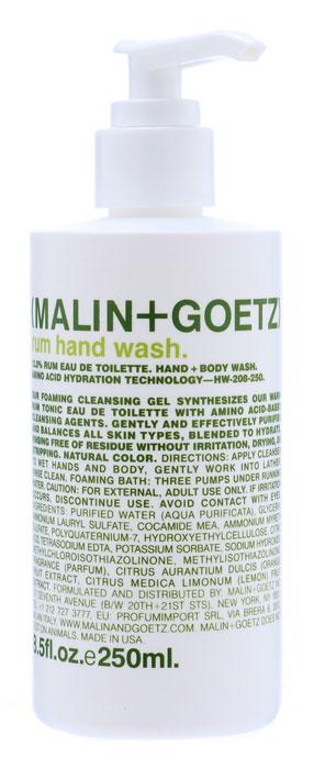 Malin+Goetz Мыло жидкое для рук Ром, 250 млMG025Пенящееся мыло Malin+Goetz для рук с ароматом рома эффективно очищает и увлажняет кожу. Мыло сочетает обаяние аромата рома и очищающие ингредиенты на основе аминокислот. В отличие от традиционных средств с грубыми очищающими веществами, мыло мягко и эффективно очищает и поддерживает баланс всех типов кожи. Имеет натуральный цвет. Является прекрасным дополнением к любому ежедневному уходу за кожей. Полностью смывается водой, не вызывает раздражения, сухости или повреждений кожи. Снижает эпидермальный стресс, вызываемый мытьем рук. Характеристики: Объем геля: 250 мл. Производитель: США. Товар сертифицирован.