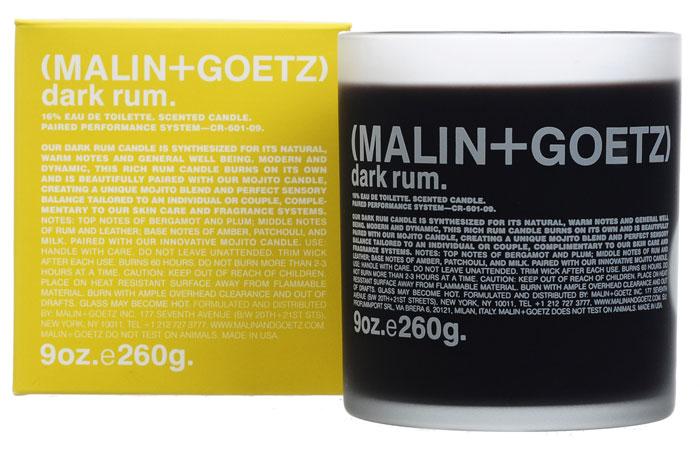 Malin+Goetz Свеча ароматизированная Темный ром, 260 гMG133Свечи Темный ром сочетает натуральные теплые ноты и создают ощущение общего комфорта и благополучия. Современный и динамичный, этот аромат используется как самостоятельно, так и в сочетании с другим парным ароматом для создания уникальной чувственной композиции. Используйте самостоятельно или в сочетании со свечой Мохито. Оптимальное время непрерывного горения свечи – не более 2 или 3 часов.