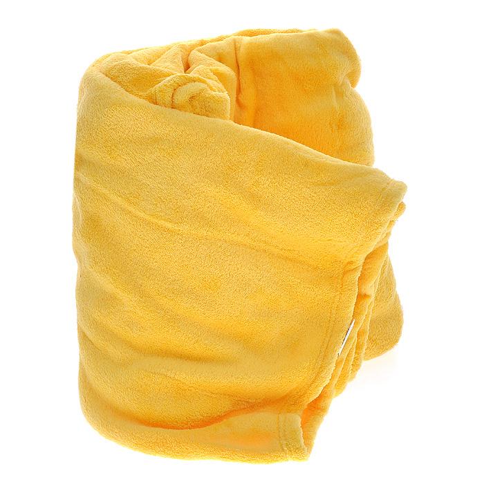 Плед флисовый Coral Fleece, цвет: дыня (желтый), 220 см х 200 смПФД-200-220Мягкий и приятный на ощупь плед Coral Fleece, изготовленный из флиса, согреет в прохладные вечера и сделает ваш дом уютным. Плед не скатывается и не вызывает аллергии, легко стирается и быстро сохнет. Плед хорошо впишется в стиль вашего дома и создаст атмосферу гармонии и спокойствия. Наслаждайтесь комфортом и уютом с пледом Coral Fleece и пусть в вашем доме будет тепло! Характеристики: Материал: флис (100% полиэстер). Цвет: дыня (желтый). Размер пледа: 200 см х 220 см. Артикул: ПФД-200-220.