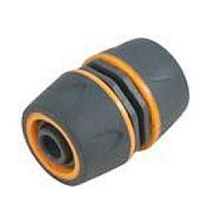 Муфта ремонтная пластиковая двухкомпонентная Fit, цвет: серо-оранжевый, 3/477751Муфта ремонтная Fit 3/4 применяется для быстрого и надежного соединения двух участков шланга. Муфта выполнена из ABS пластика с прорезиненными вставками. Характеристики: Материал: ABS пластик, резина. Размер муфты: 5,5 см х 4 см х 4 см. Размер в упаковке: 9 см х 12 см х 4 см.