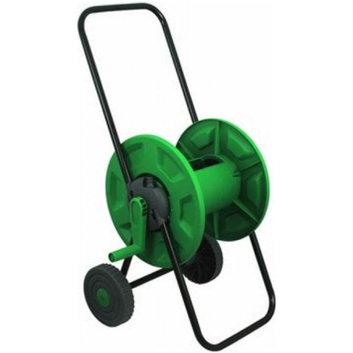 Катушка для шланга FIT, на колесах, цвет: зеленый, черный. 7727877278Катушка для шланга на колесах FIT, изготовленная из инструментальной стали и пластика, предназначена для хранения и транспортировки поливочных садовых шлангов. Она вмещает до 60 метров шланга диаметром 1/2 или до 45 метров шланга диаметром 3/4. Шланг присоединяется к адаптеру на корпусе катушки под углом с помощью быстросъемного соединителя (не входит в комплект), что позволяет избежать его перегибания и скручивания. Благодаря колесам транспортировка приспособления будет легкой и удобной. Оптимально расположенная ручка позволит быстро намотать шланг на катушку, не прилагая лишних усилий. Дополнительную устойчивость и надежность инструменту обеспечивает опорная рама. Благодаря металлическому каркасу катушка прослужит долгое время при правильной и бережной эксплуатации. Диаметр катушки: 34,5 см.