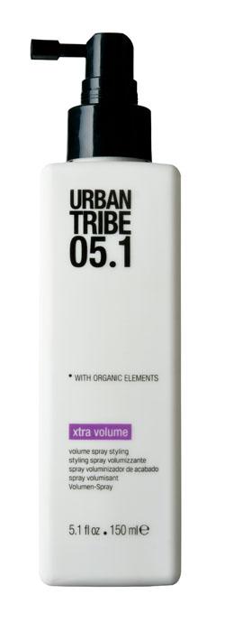 Urban Tribe Жидкость для укладки волос и создания объема 150 мл52241Жидкость для укладки волос и создания объема поддерживает форму прически и придает густоту нормальным тонким волосам. Благодаря активным ингредиентам, увеличивающим объем волос, делает волосы сильными, густыми и сохраняет прическу надолго. Подходит для укладки феном, на бигуди, щипцами для завивки, выпрямителем или непосредственно рукой. Активные ингредиенты Молекулы сахара с низким молекулярным весом: добавляют волосам объем. Ухаживающие катионные ингредиенты: облегчают расчесывание, не утяжеляя и не накапливаясь на волосах. Сок Алоэ Вера оказывает успокаивающее действие на кожу. Гидролизованные Протеины Риса и Пшеницы восстанавливают корковую часть волоса. Органические, эко-сертифицированные элементы оказывают увлажняющее, ухаживающее и антиоксидантное действие.