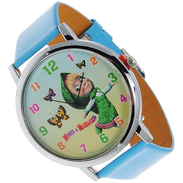 Часы наручные Маша и медведь Лето, кварцевые331340Наручные часы Маша и медведь Лето станут замечательным подарком для вашего ребенка. Круглый циферблат часов в металлизированном корпусе оформлен арабскими цифрами и изображением Маши, героини популярного мультсериала Маша и медведь, с бабочками. Часы оснащены кварцевым механизмом. Удобный голубой ремешок из кожзаменителя не доставит дискомфорта от ношения часов. Характеристики: Диаметр циферблата: 3,5 см. Размер корпуса: 4,5 см х 4,5 см. Длина ремешка (с учетом корпуса): 24,5 см. Ширина ремешка: 2 см. Материал: кожзаменитель, металл, стекло. Размер упаковки: 5 см х 28,5 см х 2,5 см.