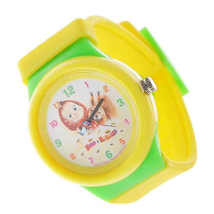 Часы наручные Маша и медведь, кварцевые, цвет: желтый, салатовый329378Наручные часы  Маша и медведь  станут замечательным подарком для вашего ребенка. Круглый циферблат часов в пластиковом корпусе желтого и салатового цветов оформлен арабскими цифрами и изображением Маши, героини популярного мультсериала Маша и медведь, с бельчонком. Часы оснащены кварцевым механизмом. Удобный желтый ремешок из мягкого ПВХ не доставит дискомфорта от ношения часов.