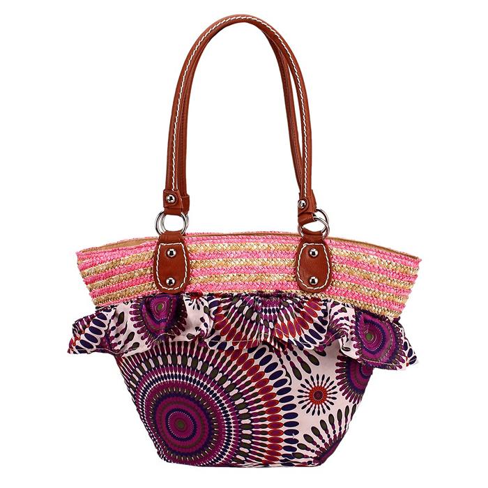 Сумка женская Вояж, цвет: бежевый, фиолетовый. 645561645561Стильная сумка Вояж выполнена из плетеной соломки и текстиля с ярким принтом и декорирована оборкой. Сумка имеет одно вместительное отделение, закрывающееся на застежку-молнию. Внутри - вшитый кармашек на молнии и два накладных открытых кармана - для мобильного телефона и прочих мелочей. Сумка оснащена двумя ручками из искусственной кожи, позволяющими носить ее на плече. Такая сумка идеально подойдет для похода на пляж, для загородной поездки, в нее можно положить все необходимое.