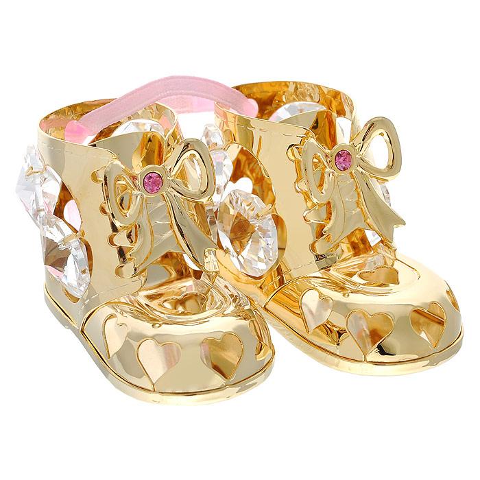 Фигурка декоративная Пара пинеток, цвет: розовый, золотистый. 692711692711Декоративная фигурка Пара пинеток, выполненная из металла золотистого цвета, станет необычным аксессуаром для вашего интерьера и создаст незабываемую атмосферу. Фигурка выполнена в виде пары пинеток, висящих на розовой ленте, и инкрустирована восемью прозрачными и двумя розовыми кристаллами. Кристаллы, украшающие фигурку, носят громкое имя Swarovski. Ограненные, как бриллианты, кристаллы блистают сотнями тысяч различных оттенков. Эта очаровательная вещь послужит отличным подарком близкому человеку, родственнику или другу, а также подарит приятные мгновения и окунет вас в лучшие воспоминания. Фигурка упакована в подарочную коробку. Характеристики: Материал: метал, стекло. Размер пинетки: 5 см х 2,5 см х 3,2 см. Цвет: розовый, золотистый. Размер упаковки: 5,5 см х 4,5 см х 9 см. Артикул: 692711.