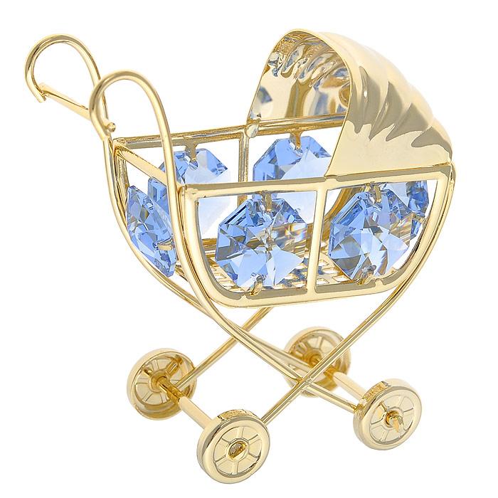 Фигурка декоративная Коляска, цвет: голубой, золотистый. 278483278483Декоративная фигурка Коляска, выполненная из металла золотистого цвета, станет необычным аксессуаром для вашего интерьера и создаст незабываемую атмосферу. Фигурка выполнена в виде детской коляски и инкрустирована шестью голубыми кристаллами. Кристаллы, украшающие фигурку, носят громкое имя Swarovski. Ограненные, как бриллианты, кристаллы блистают сотнями тысяч различных оттенков. Эта очаровательная вещь послужит отличным подарком близкому человеку, родственнику или другу, а также подарит приятные мгновения и окунет вас в лучшие воспоминания. Фигурка упакована в подарочную коробку. Характеристики: Материал: металл, стекло. Размер фигурки: 6 см х 6,5 см х 3,5 см. Цвет: голубой, золотистый. Размер упаковки: 6 см х 4,5 см х 9 см. Артикул: 278483.