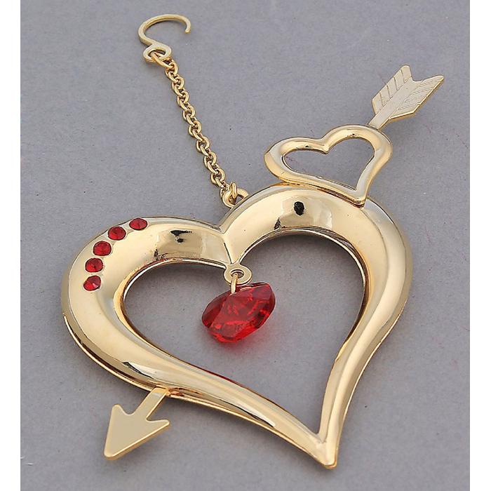 Фигурка декоративная Сердце со стрелой, цвет: золотистый. 582754582754Декоративная фигурка Сердце со стрелой выполнена из позолоченного металла и украшена красными кристаллами Swarovski. Фигурка имеет небольшой крючок, за который вы можете повесить сердечко в любое место. Изысканный и эффектный, этот сувенир покорит своей красотой и изумительным качеством исполнения, а также станет замечательным подарком.