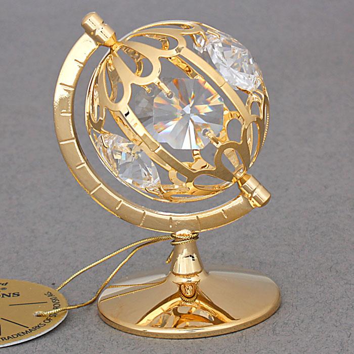 Сувенир Глобус, цвет: золотистый. 434646434646Сувенир Глобус выполнен из металла золотистого цвета и украшен белыми кристаллами Swarovski. Поставьте фигурку на стол в офисе или дома и наслаждайтесь изящными формами и блеском кристаллов. Изысканный и эффектный, этот сувенир покорит своей красотой и изумительным качеством исполнения, а также станет замечательным и оригинальным подарком. Характеристики: Материал: металл, кристаллы Swarovski. Размер глобуса: 4,5 см х 4,5 см х 5 см. Диаметр основания: 3,7 см. Цвет: золотистый. Размер упаковки: 5,5 см х 4,5 см х 9 см. Артикул: 434646.