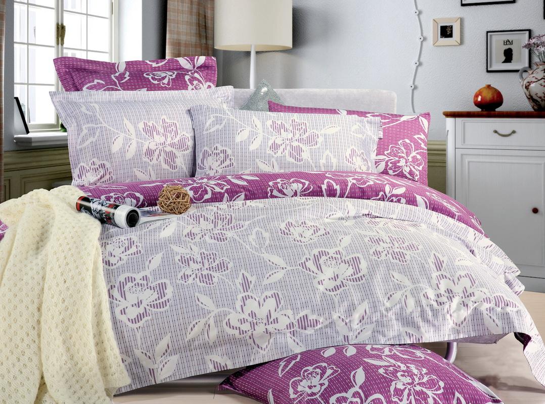 Комплект белья Tiffanys Secret Ажур (евро КПБ, сатин, наволочки 50х70)204111197Комплект постельного белья Tiffanys Secret Ажур является экологически безопасным для всей семьи, так как выполнен из натурального хлопка. Комплект состоит из пододеяльника на молнии, простыни и двух наволочек. Предметы комплекта оформлены оригинальным рисунком. Благодаря такому комплекту постельного белья вы сможете создать атмосферу уюта и комфорта в вашей спальне. Сатин - это ткань, навсегда покорившая сердца человечества. Ценившие роскошь персы называли ее атлас, а искушенные в прекрасном французы - сатин. Секрет высококачественного сатина в безупречности всего технологического процесса. Эту благородную ткань делают только из отборной натуральной пряжи, которую получают из самого лучшего тонковолокнистого хлопка. Благодаря использованию самой тонкой хлопковой нити получается необычайно мягкое и нежное полотно. Сатиновое постельное белье превращает жаркие летние ночи в прохладные и освежающие, а холодные зимние - в теплые и согревающие. Сатин очень...