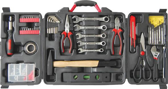 Набор инструментов FIT, 1/4 и 3/8, 140 предметов65148Набор слесарно-монтажных инструментов FIT позволяет удерживать, измерять, монтировать или демонтировать, разрезать, перекусывать или забивать. Он включает в себя 49 предметов инструмента и 91 предмет крепежа, которые умещаются в небольшом кейсе. Рабочие части столярных инструментов выполнены из инструментальной штампованной, прошедшей процесс термообработки, стали, стойкой к ударным работам. Отвертки и биты изготовлены из хромванадиевой стали. Отвертки оснащены намагниченным наконечником, удобным для работы в труднодоступных местах. Инструменты, входящие в набор гарантируют надежность и длительный срок службы. Такой набор будет идеальным подарком мужчине. В наборе: Тонконосы (16 см) Бокорезы (16 см) Ключ разводной (15 см) Ножницы технические (20 см) Нож технический, лезвие 18 мм Уровень (20 см) Отвертки для точных работ: SL1,4, SL2, SL2,4, SL3, PH0, PH1 Ключи шестигранные «hex»: 1,5 мм, 2 мм, 2,5 мм, 3 мм, 4 мм, 5 мм, 5,5 мм, 6...